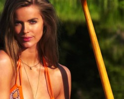 Meet your 2015 SI Swimsuit Rookies: Robyn Lawley
