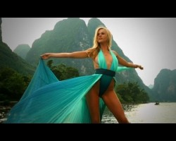 Anne V Intimate – 2013 Sports Illustrated Swimsuit