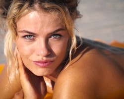 Get Uncovered With SI Swimsuit Cover Model Hailey Clauson